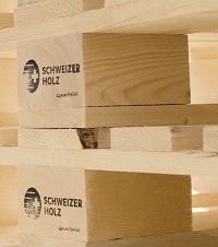 Paletten bei Dynamo aus schweizer Holz.